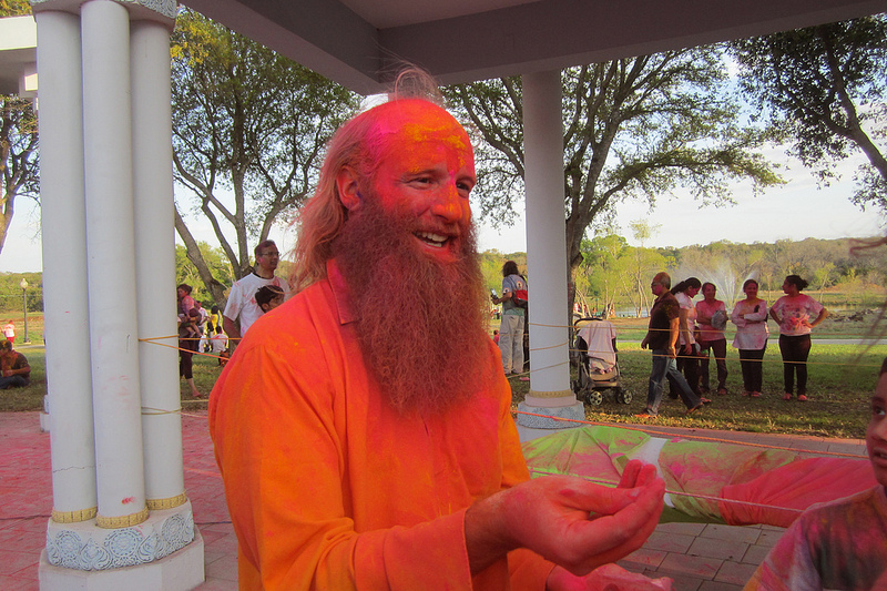 Swami Nikhilanand Explains Finer Points of Holi Play!