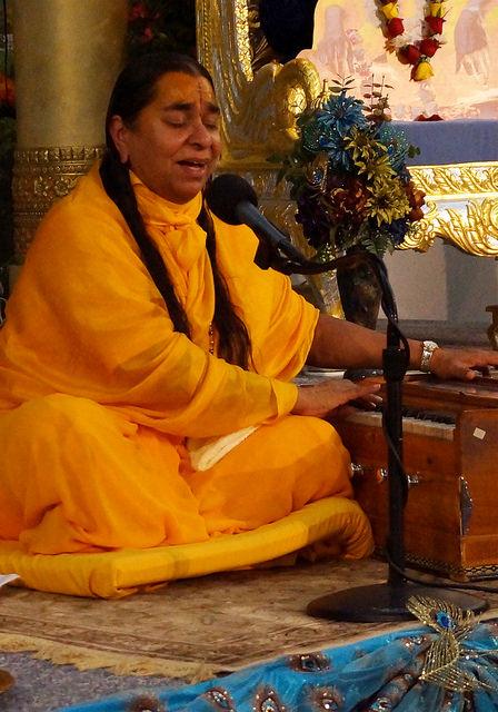 Gopeshwari Didi giving Janmashtmi discourse to adults inside the prayer hall
