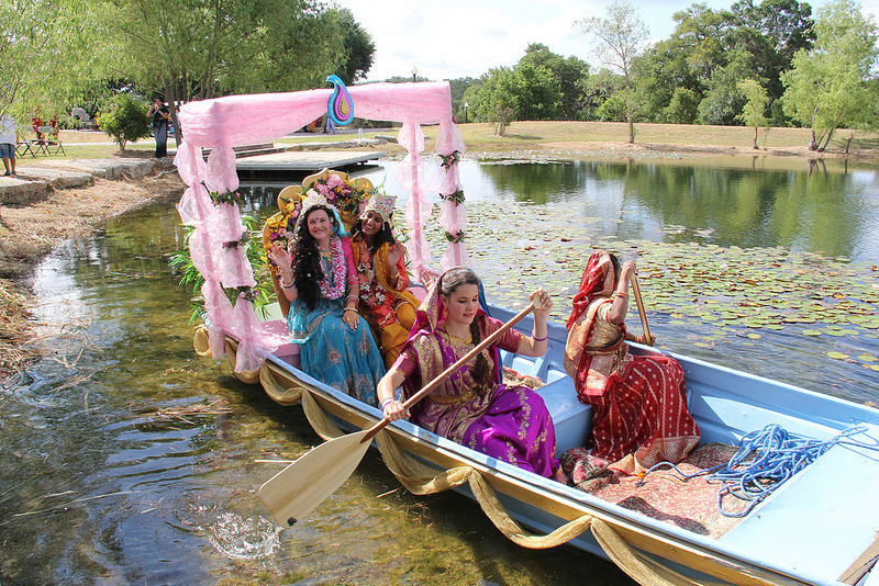 Devotees depict the leela of Shree Radha-Krishna on Prem Sarovar
