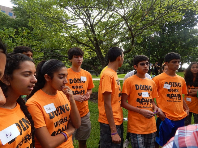 Campers participating in Refugee Outreach event during Summer Youth Camp