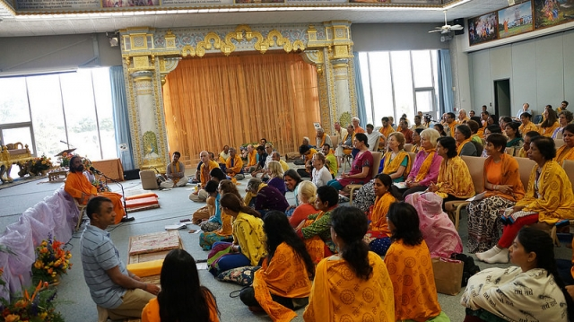 Swami Mukundananda answers campers' questions about devotion.