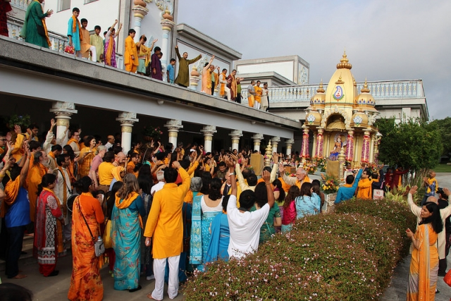 2015 Rath Yatra begins with joyous hearts absorbed in God's love