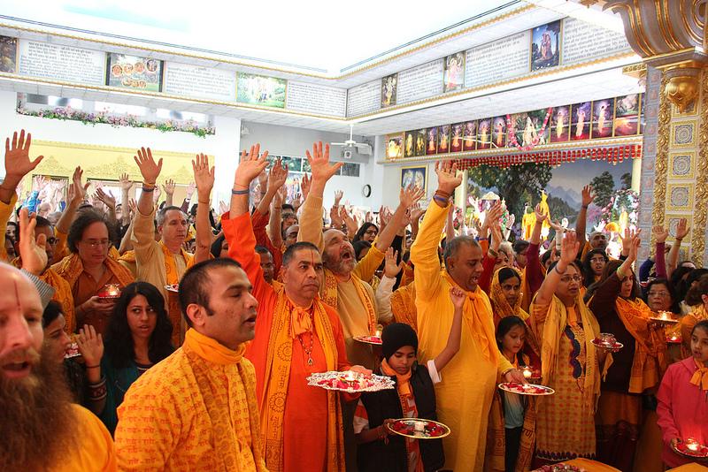 Jagadguru Shree Kripaluji Maharaj ki Jai!