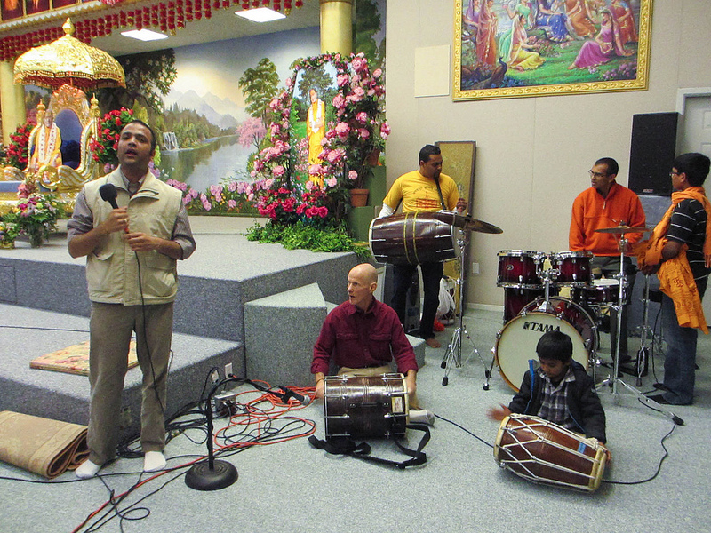 The Radha Madhav Dham band sings everyone's devotional favorites.