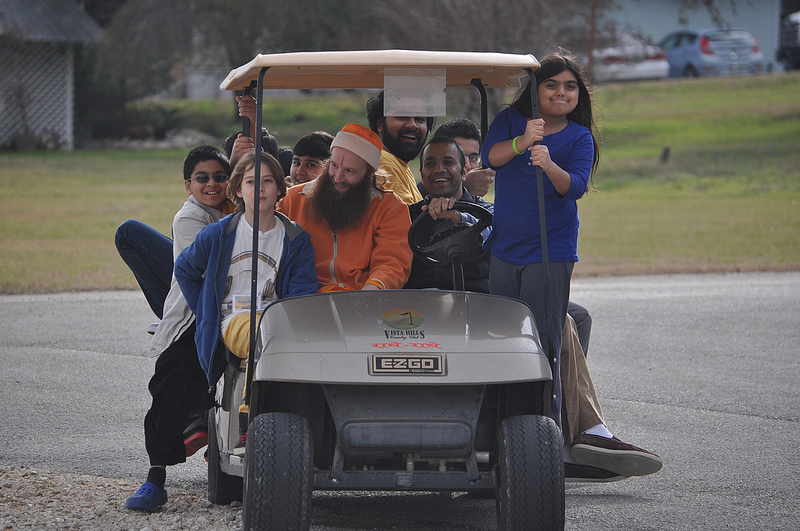 Chirag bhaiya & Swami Nikhilanand give a 'popular' tour of grounds