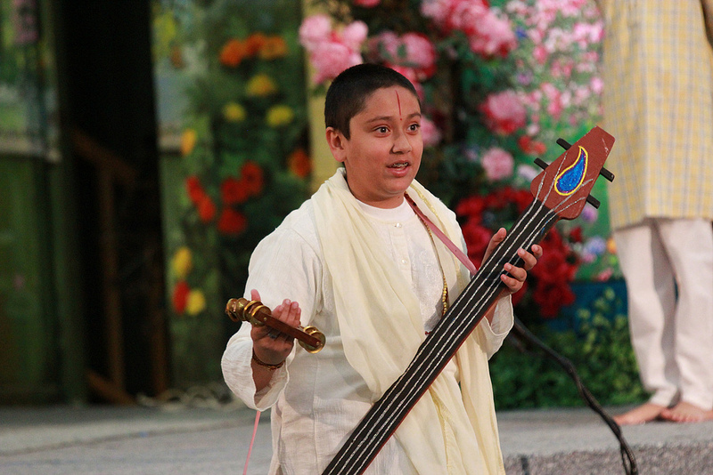 Narad muni makes an appearance during the evening's leela performance by the young campers.