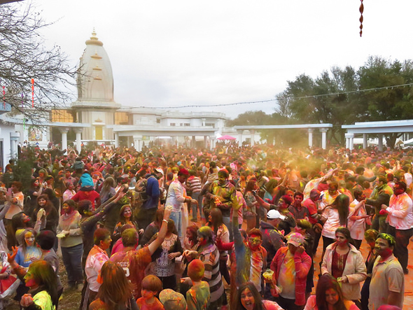Holi Celebrations in Maharaas Mandal